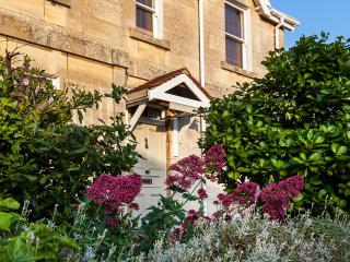 Lovely 3 bedroom Bathampton House with Internet Access - Bathampton vacation rentals