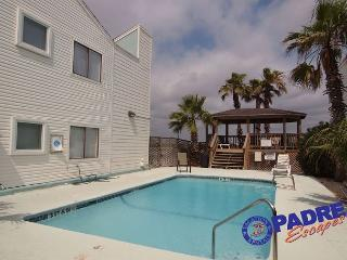 Cozy Condo with Deck and Dishwasher - Corpus Christi vacation rentals
