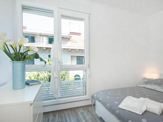 City Smart Apartment - Split vacation rentals