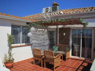 2 bedroom Apartment with Internet Access in Granada - Granada vacation rentals