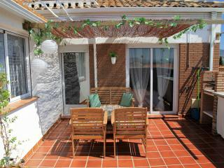 NEW, PRIVATE TERRACE, FULL AIR CO, PARKING, WIFI - Armilla vacation rentals