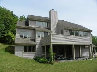 Waterville Valley Vacation Condo with large yard - Waterville Valley vacation rentals