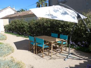 Tout Confort 4 personnes proche place des Lices - Saint-Tropez vacation rentals