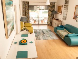 Stylish apartment , free bike hire , free wifi  ,tv with box ,films and  sport - Fuzeta vacation rentals