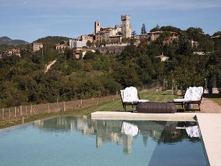 2 bedroom House with Internet Access in San Casciano dei Bagni - San Casciano dei Bagni vacation rentals