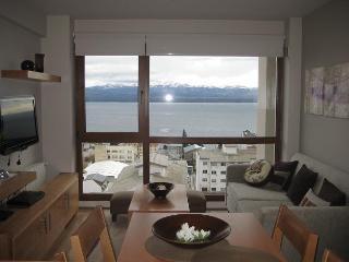Terrazas del lago II N con Vista al Lago - San Carlos de Bariloche vacation rentals