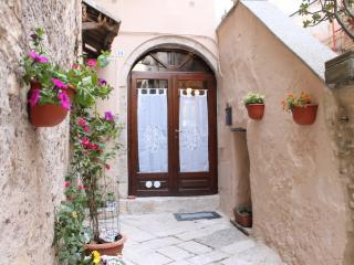 Romantic 1 bedroom Fondi Condo with Washing Machine - Fondi vacation rentals