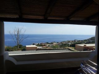 La Casetta del Limone - panoramica, nuova, ideale per coppie e famiglie - Malfa vacation rentals