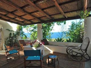 Villa Ginestra, elegante casa dell'800 con ottima vista sul mare a Capo Faro - Malfa vacation rentals