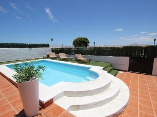 Comfortable 4 bedroom Villa in Corralejo - Corralejo vacation rentals