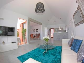 Bright 3 bedroom Corralejo Villa with Internet Access - Corralejo vacation rentals