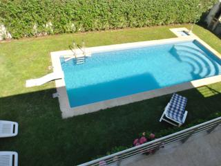 Sleeps 8-10 Central Villa Do Conde nr Porto - Vila do Conde vacation rentals