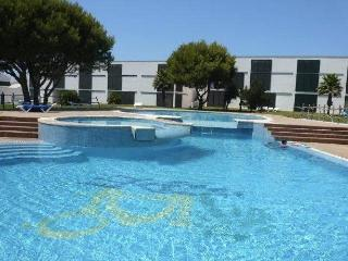 Beautiful Apartment in Cala'n Bosch with A/C, sleeps 6 - Cala'n Bosch vacation rentals