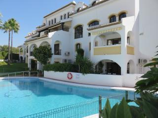Perfect Condo with Internet Access and Grill - Sitio de Calahonda vacation rentals