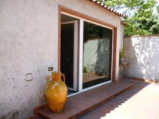 Nice Townhouse with Internet Access and Central Heating - Varcaturo vacation rentals
