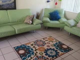 1 bedroom walk to Las O Las  downtown FortLauderdl - Fort Lauderdale vacation rentals