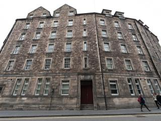 3 Bedroom Apartment in Grassmarket, Edinburgh (7) - Edinburgh vacation rentals