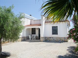 BO015 Villa Emilia con giardino - Punta Prosciutto vacation rentals