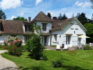 Adorable 5 bedroom Villa in Yvelines with Internet Access - Yvelines vacation rentals