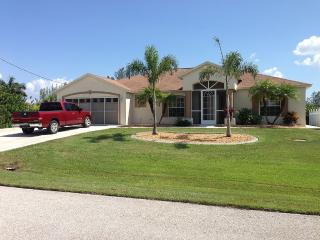 Peaceful, Deep Water Access, Heated Pool/Jacuzzi - Port Charlotte vacation rentals
