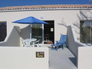 Nice Condo with Internet Access and Central Heating - La Jarrie vacation rentals
