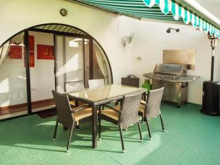 Lovely penthouse with sun terrace - Ta' Xbiex vacation rentals
