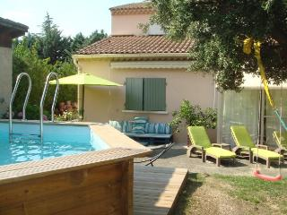 2 bedroom Villa with Internet Access in Eyragues - Eyragues vacation rentals