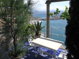Lovely 4 bedroom Villa in Cetara with Internet Access - Cetara vacation rentals