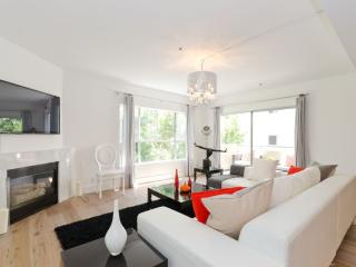 Nice Condo with Internet Access and A/C - West Hollywood vacation rentals