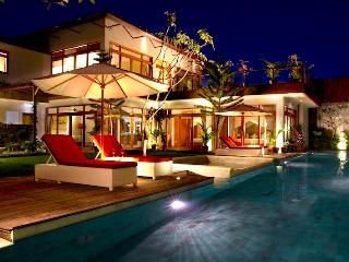 ZOLINA Full Service Home Warm Helpful Staff - Seminyak vacation rentals
