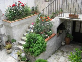 Nice 2 bedroom Erice Townhouse with Deck - Erice vacation rentals