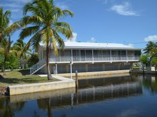 Perfect 3 bedroom House in Big Pine Key with Deck - Big Pine Key vacation rentals