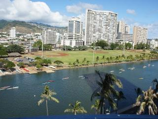 2/1 Waikiki for 5 - Ocean, Mountain and City Views - Honolulu vacation rentals