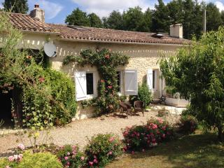 NEW-rural cottage private pool- Sauveterre/Guyenne - Sauveterre-De-Guyenne vacation rentals