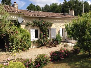 NEW-rural cottage private pool- Sauveterre/Guyenne - Sauveterre-De-Guyenne vacation rentals