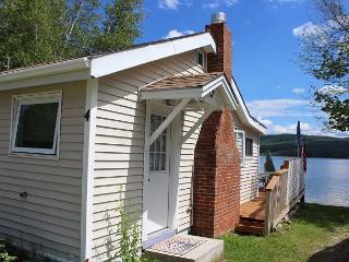 Lake Pemigewasset Waterfront Cottage (MUR4W) - New Hampton vacation rentals