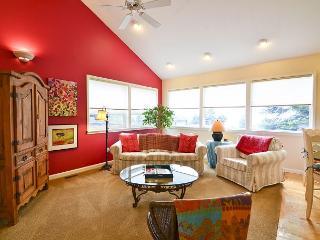 Park Ave Guest House-Elegant 2 Bdrm,1.5 bath home @ Redwood Park-No Steps - Arcata vacation rentals