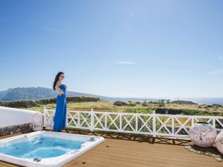 """OIA SUNSET VILLAS"" villa PEARL  Spa & Pool - Oia vacation rentals"