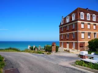 Etretat : A 50m de la plage studio lumineux - Saint-Pierre-en-Port vacation rentals