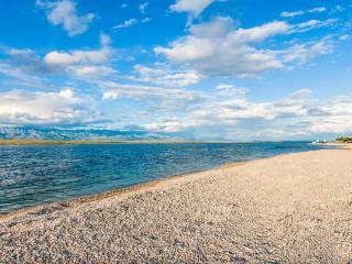Holidays on the island Vir, Cro 2 - Vir vacation rentals
