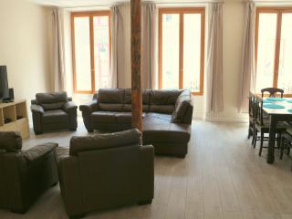 Nice Condo with Internet Access and Central Heating - Le Bourg-d'Oisans vacation rentals