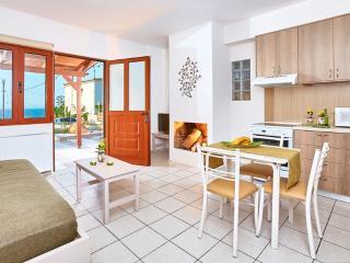 Cozy pool front apartment in Agia Pelagia Crete GR - Agia Pelagia vacation rentals