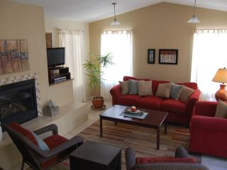 Cute casita with gorgeous courtyard - Corrales vacation rentals