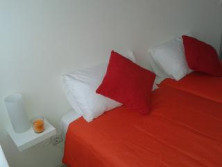 crp apartments Batalha 1 - Porto vacation rentals