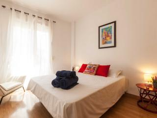 Spacious 3-Bedroom Near Picasso's Home in Malaga - Malaga vacation rentals