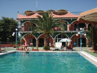 Self catering studios for  2 to 45 p - Agios Gordios vacation rentals