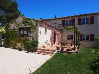 Charming Home in Aix-en Provence - 8 people - Puyricard vacation rentals