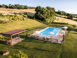 I GIGLI Nice apartment in Corinaldo (Marche) - Corinaldo vacation rentals