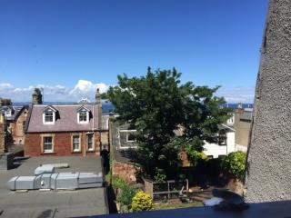 Very Central Holiday Flat in North Berwick - North Berwick vacation rentals