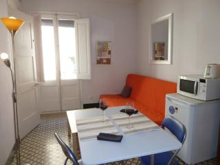 1 bedroom Apartment with Internet Access in Girona - Girona vacation rentals